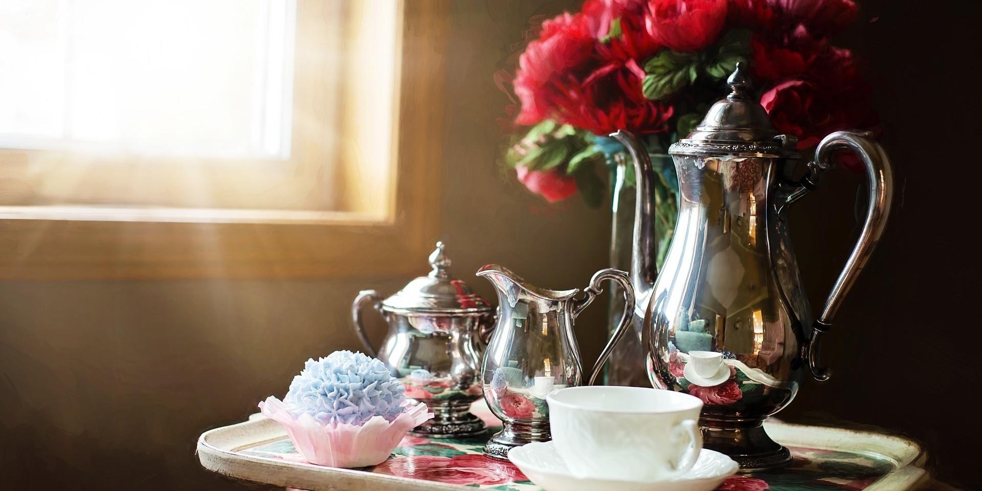 silver-tea-set.jpg