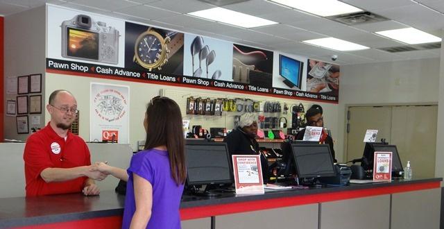 customer-at-pawn-shop